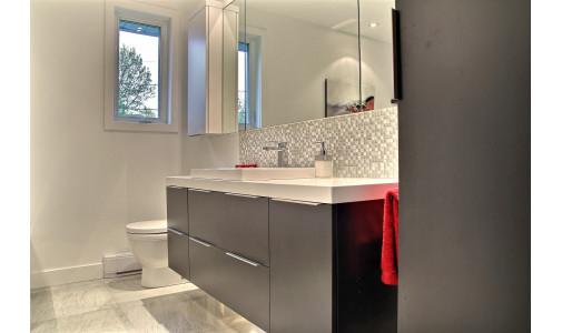 Service plan de sol pour salle de bain